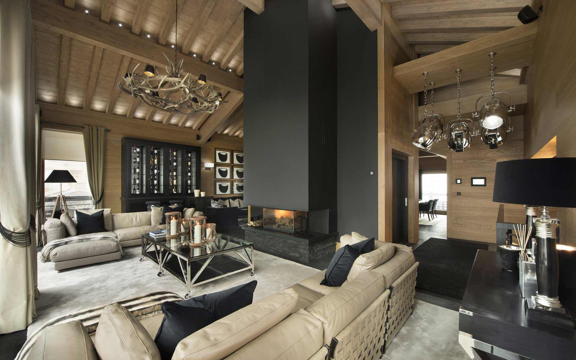 Courchevel - France - Chalet, 8 rooms, 7 bedrooms - Slideshow Picture 2